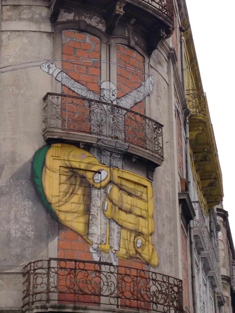 Street art by an international artist as part of the CRONO Project
