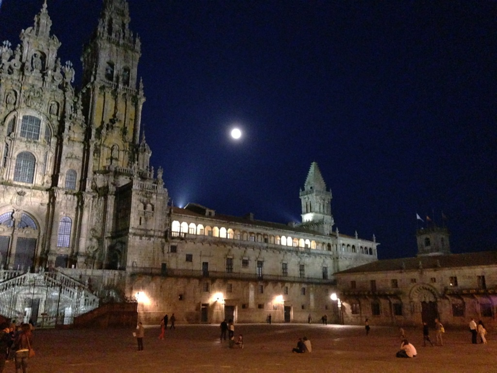 The Cathedral de Santiago de Compostela at night