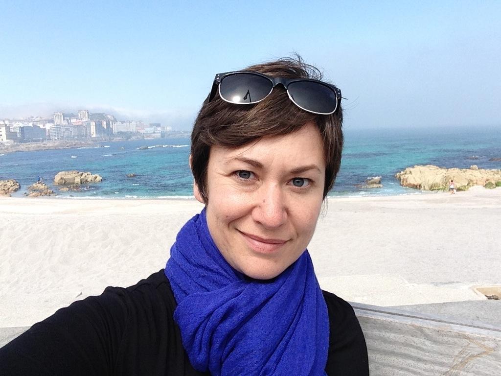 Working my new scarf on the A Coruña coast.