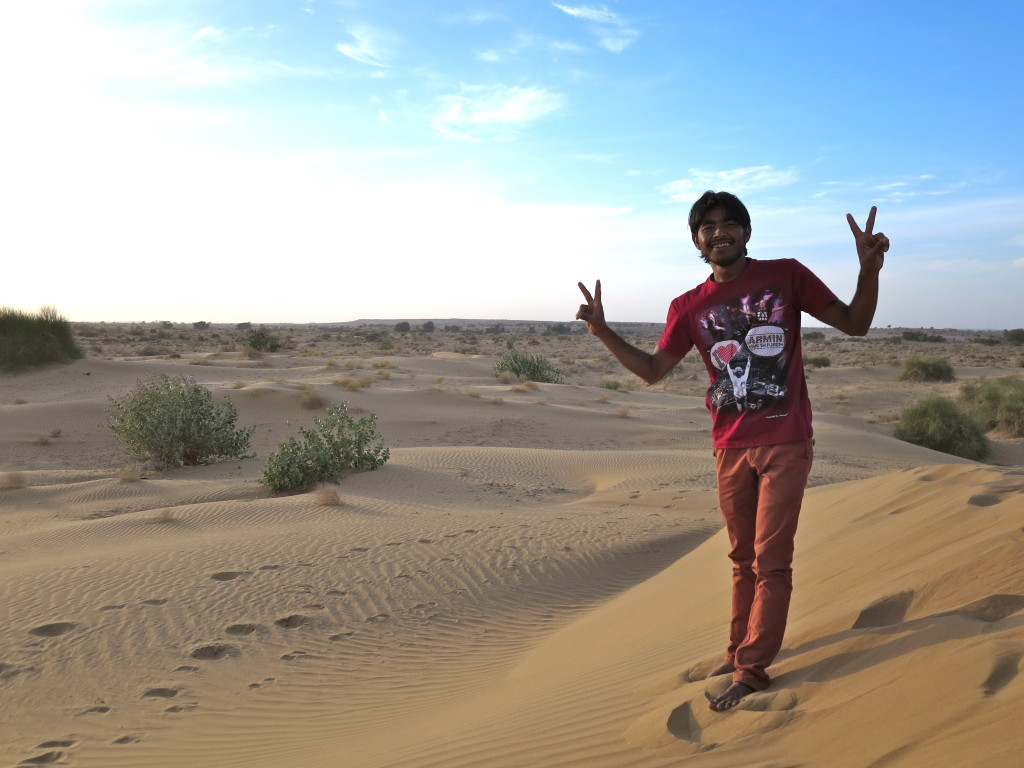 Amor, all smiles after his victory, Jaisalmer, India.