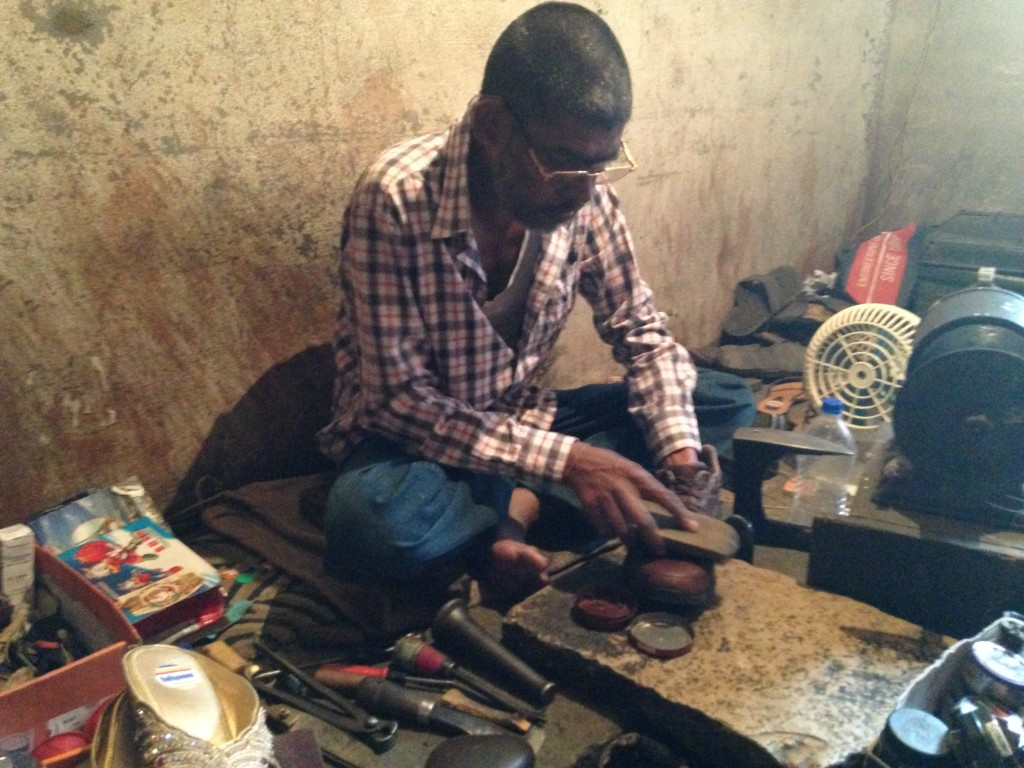 Cobbler at Work In Hyderabad