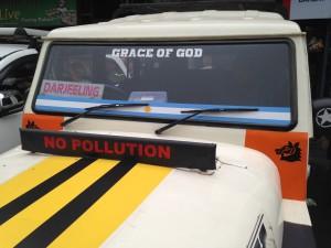 The Hood and Windscreen of a Shared Jeep, Kuresong